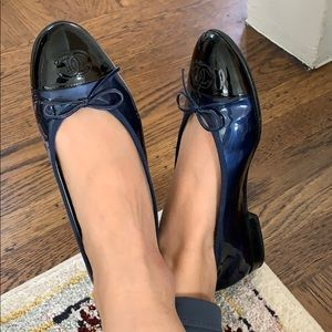Chanel patent blue and black flats Sz 39